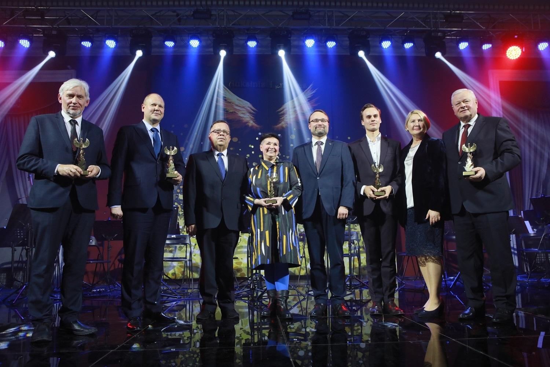 """Paskelbti apdovanojimo """"Auksinis Feniksas"""" nugalėtojai"""